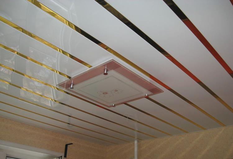 подвесные потолки и светильник