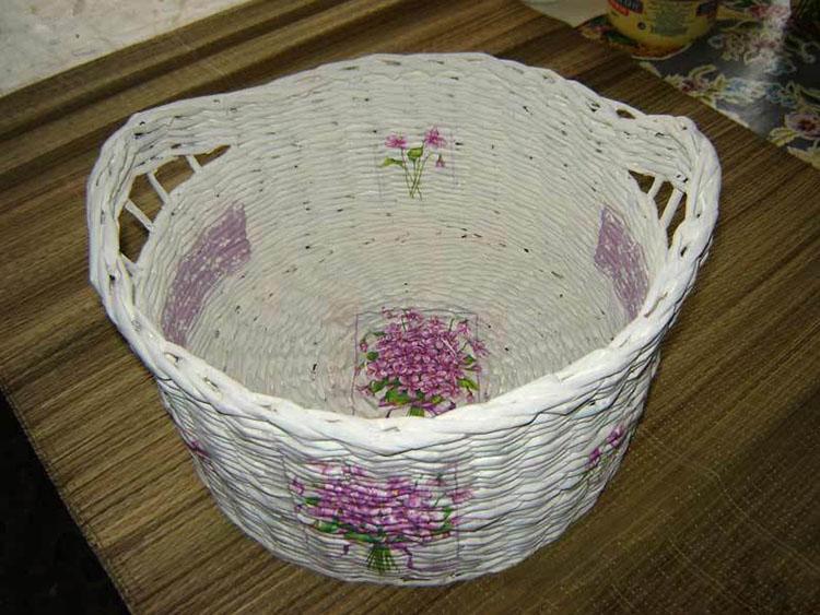 korzina-dlya-belya-iz-gazetnyh-trubochek-18 Поиск на Постиле: плетение корзины для белья