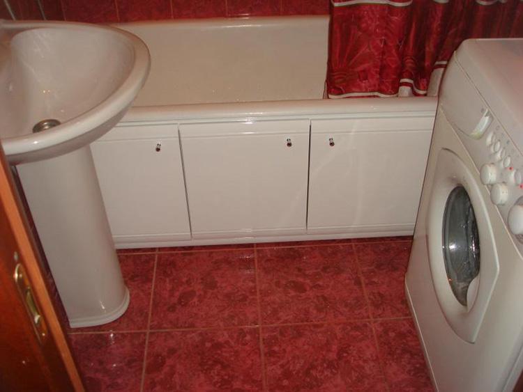 дверцы под ванной