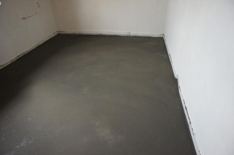 стяжка на полу из цемента